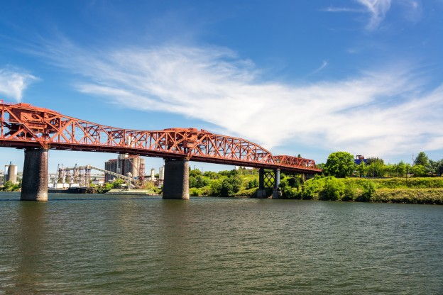 View of the Willamette River and the Broadway Bridge in Portland, Oregon
